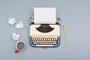 How to Write a Pitch That'll Wow Editors & Clients (+ Examples)