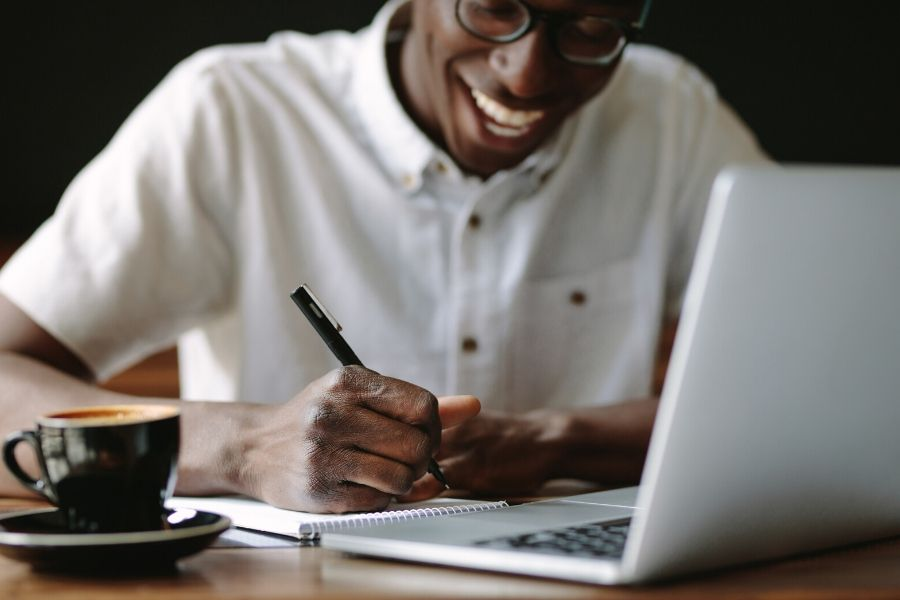 Freelance Writing Niches That Pay Big Bucks