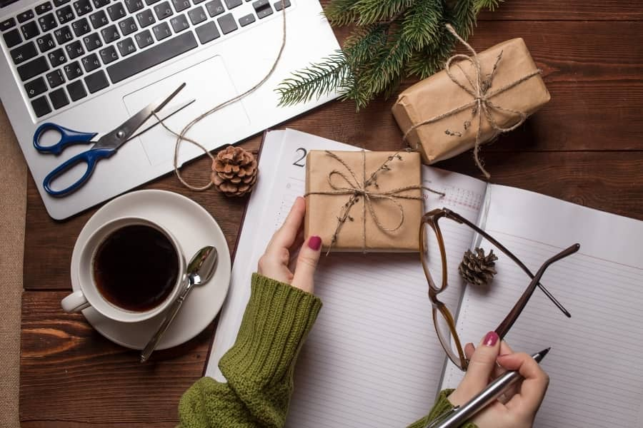 Great Gifts for Writers That'll Fit Any Budget (Yes, Even Yours)